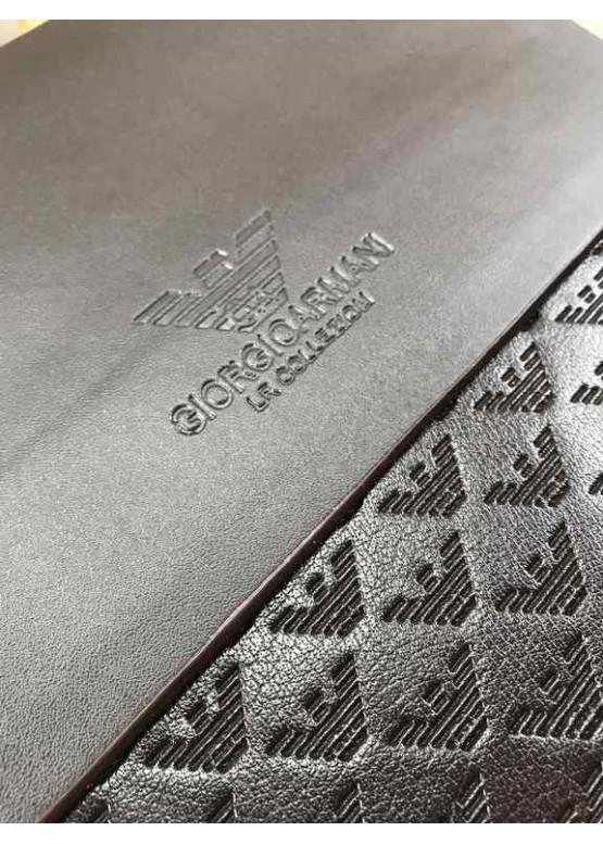 Сумка планшетка на плечо Armani коричневого цвета